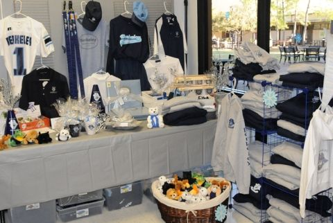 Spirit Shop located in the Divers Bookstore
